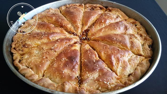 Pırasalı Arnavut Böreği Nasıl Yapılır